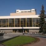Волынский драмтеатр целый месяц показывать спектакли бесплатно