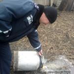 Волынские полицейские уничтожили 30 литров самогона