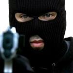 На Волыни преступники в масках напали на семью предпринимателя