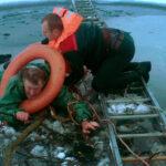 Сенненские спасатели вытащили тонущего рыбака