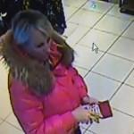 На Волыни разыскивают женщину, которая рассчитывается за товар поддельной валютой